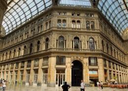 Napoli_-_Galleria_Umberto_I_-_panoramio